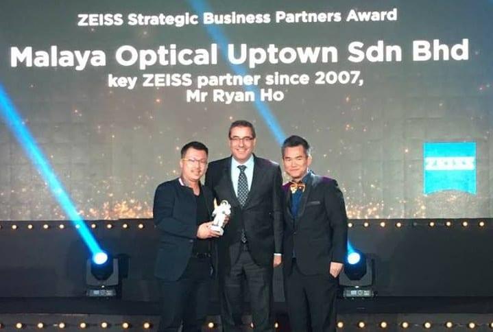 2017 11 Zeiss Partner Award 1 2
