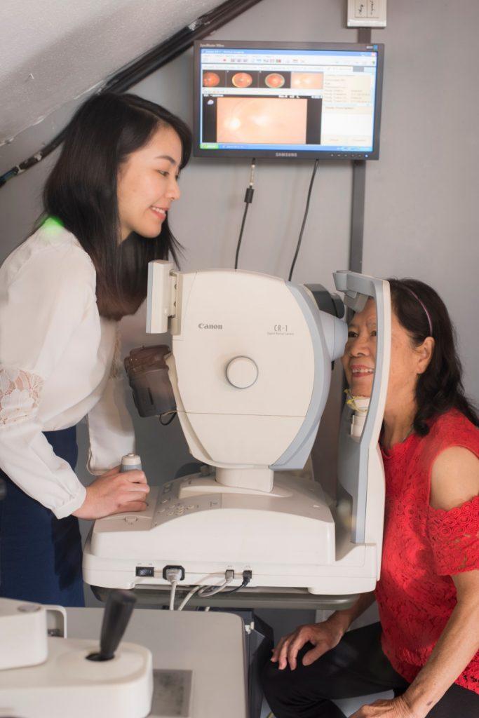 Optometrist Eye Check Up