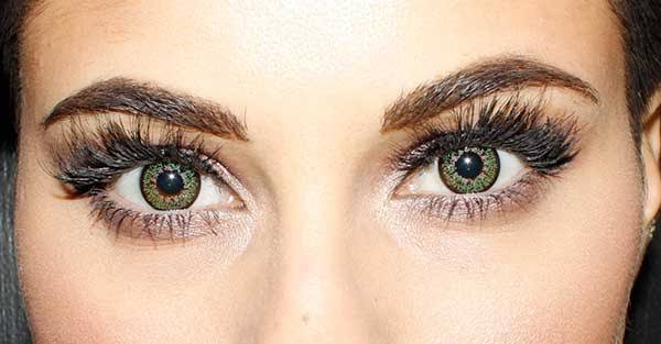 Makeup tips for contacts wearer daily