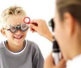 Retinoscopy by Optometrist