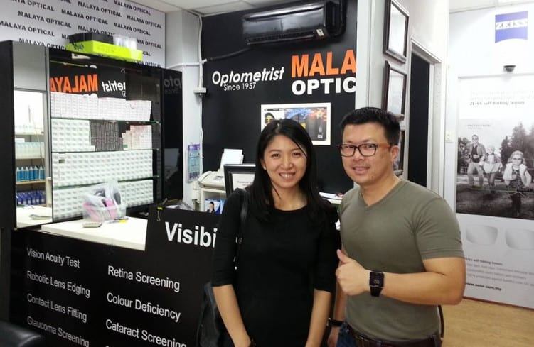 YB Yeo Bee Yin getting her eyes check by Ryan Ho of Malaya Optical